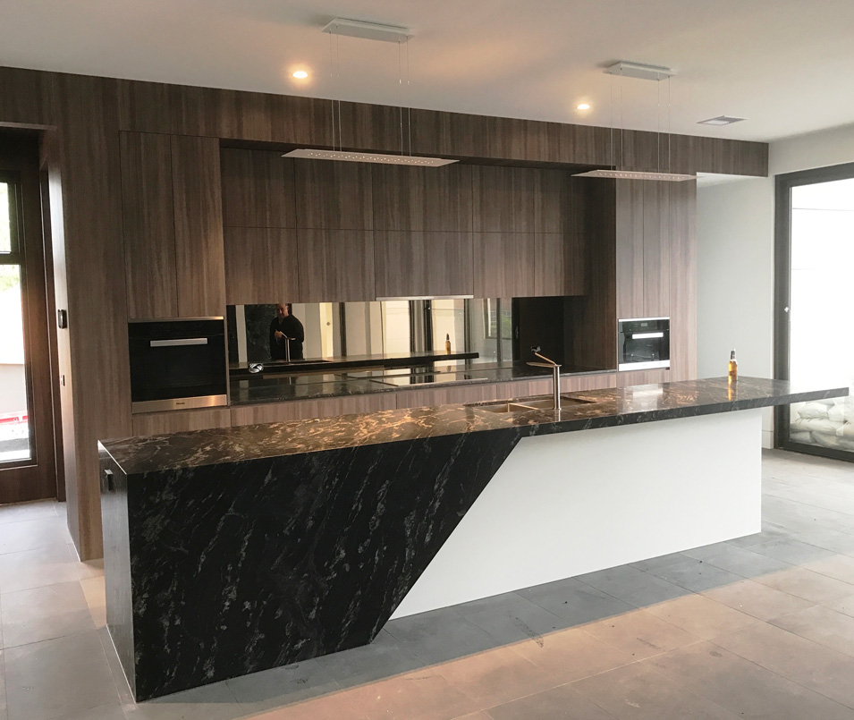 White Mirrored Kitchen